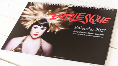 Xarah is the covergirl of the Burlesque calendar by Verena Gremmer